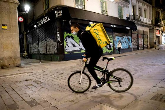 Food Delivery Apps May Be Forced to Employ Gig Workers in Spain