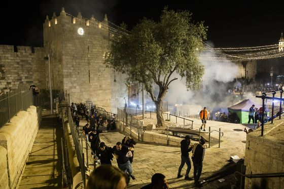 Netanyahu Rebuffs Criticism as Jerusalem Violence Swells