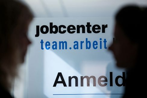 German Unemployment Falls to Record Low