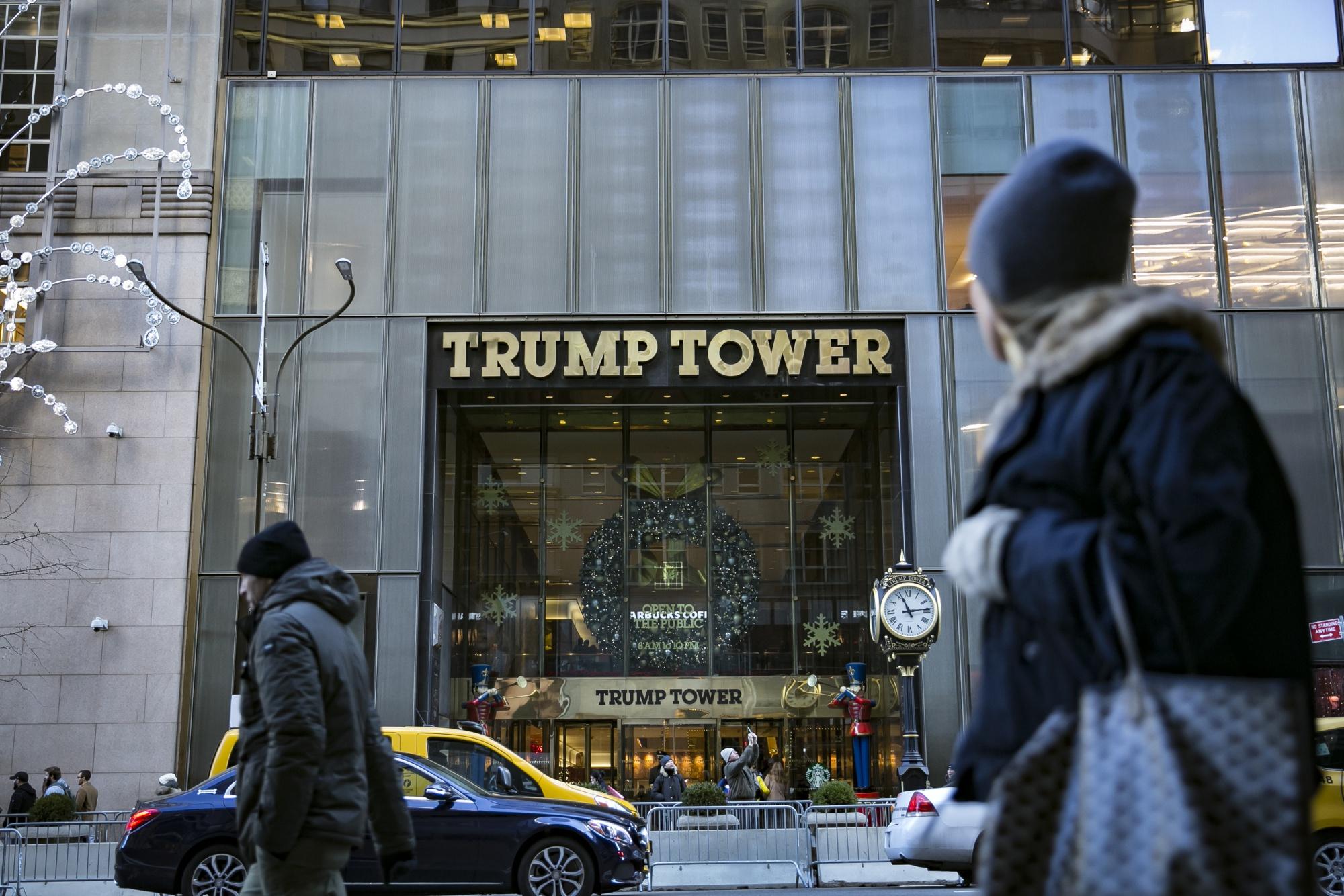 That Time Michael Cohen Stuffed Trump's Cash in a Walmart Bag
