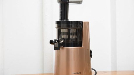 Which Fancy Cold-Press Juicer Is for You? - Bloomberg