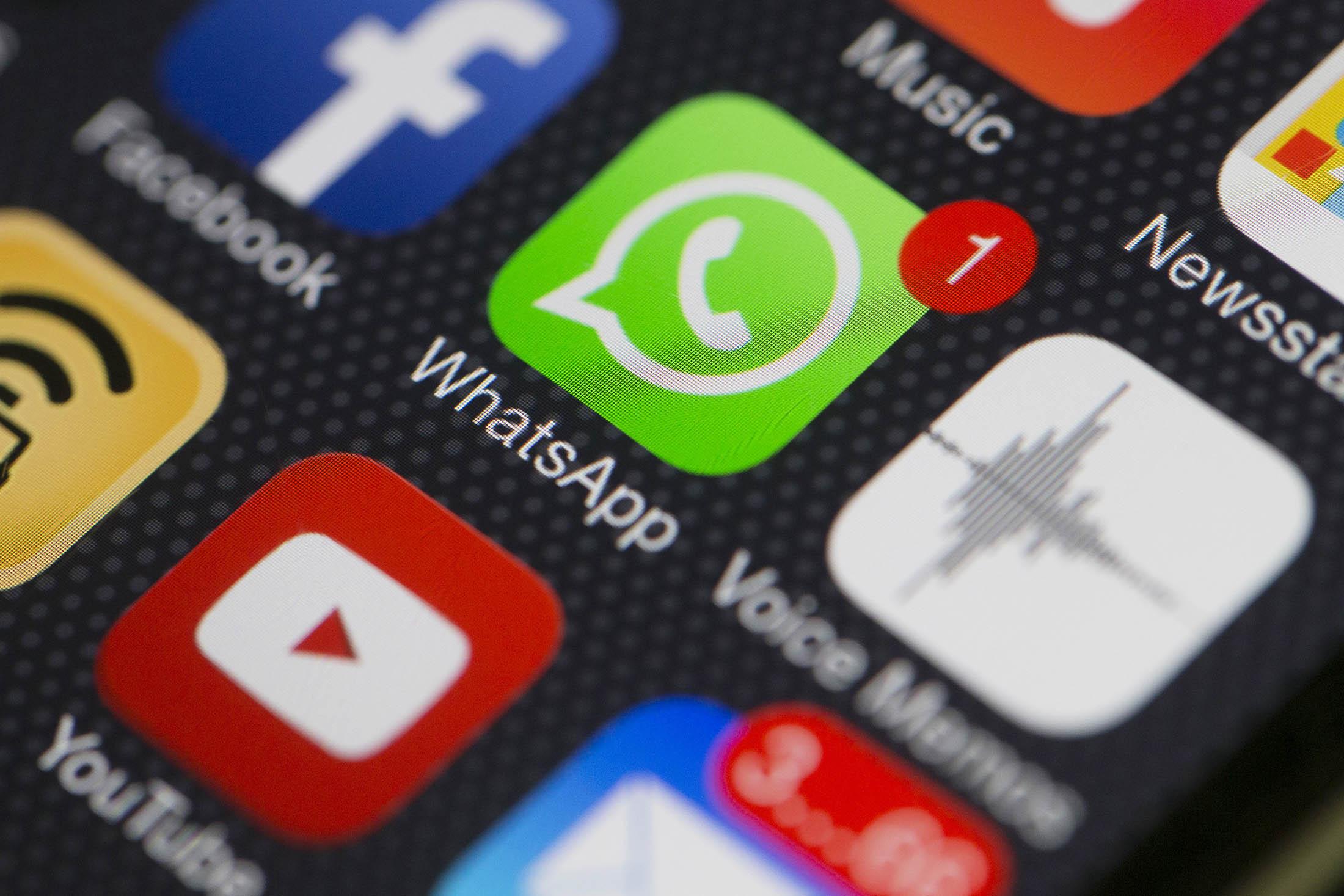 China Blocks WhatsApp in Latest App Crackdown: NYT