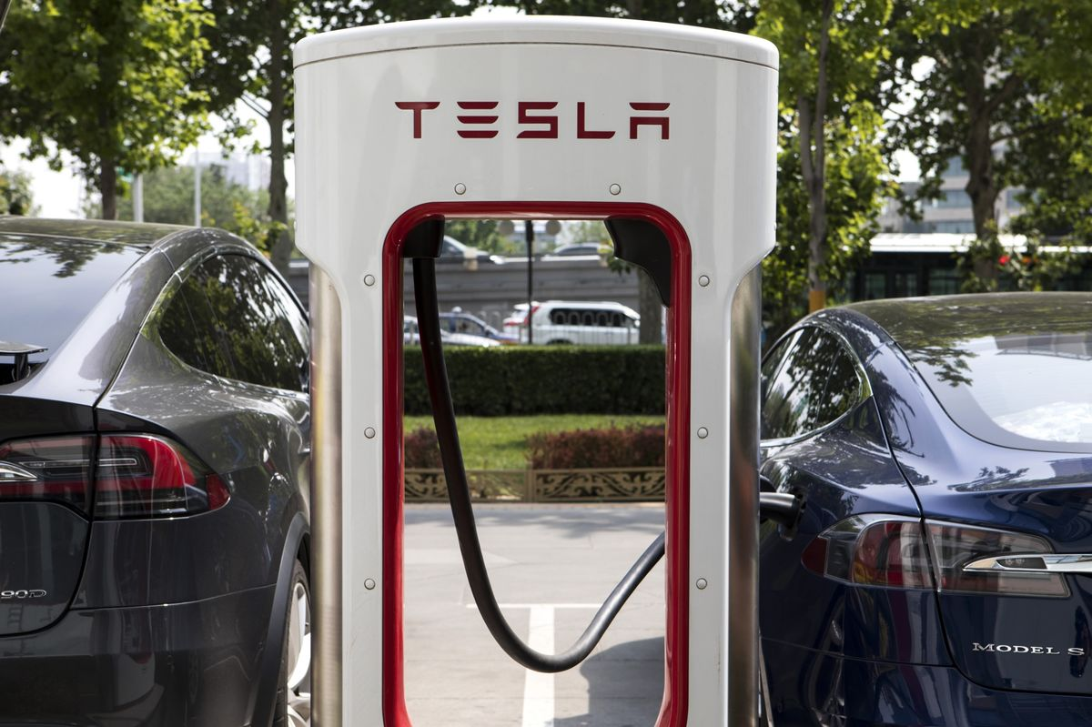 Tesla Short-Sellers Hold Firm After Netting $1 Billion in May