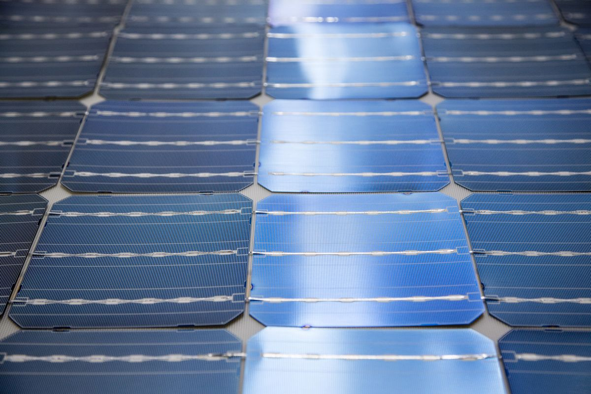 The World's Biggest Solar Project Comes With a 'Batteries Included' Sticker