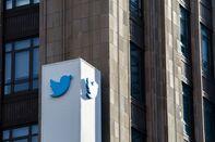 TwitterPermanently Bans President Donald Trump's Account