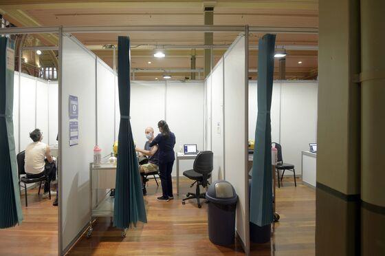 Covid-Hero Australia Now Vaccine Laggard as Lockdowns Bite