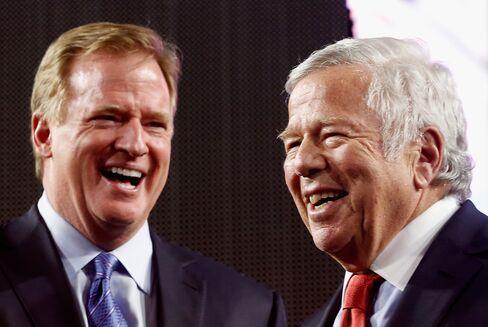 NFL Commissioner Roger Goodell and New England Patriots owner Robert Kraft appear afterSuper Bowl XLIX on Feb.1, 2015, in Glendale, Arizona.