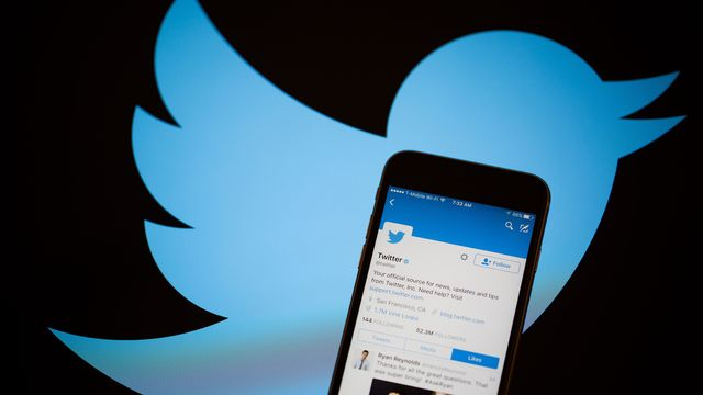 Twitter shows signs of life with renewed user growth bloomberg permalink stopboris Images
