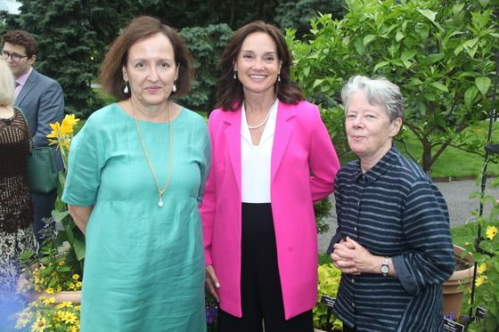 Thain Starts Summer With a Succession Party at Botanical Garden