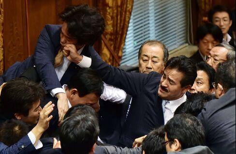 JAPAN-POLITICS-DEFENCE-MILITARY