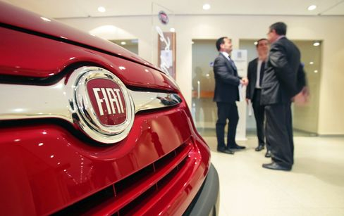 Fiat Bowed as Italian Turmoil Risks 1960s-Era Auto Demand