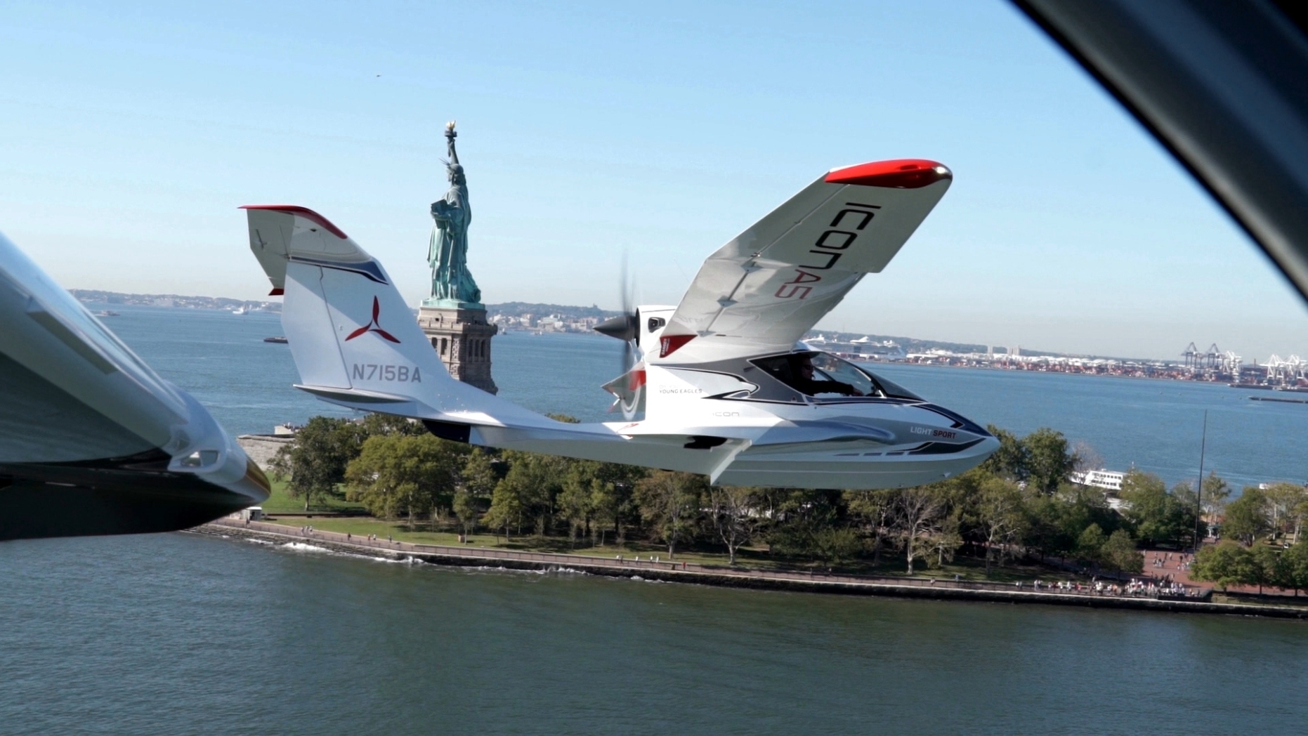 The Icon A5 Collapsible Plane in Flight Around New York
