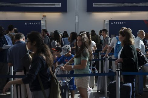 Delta Grounds Flights Worldwide Following Computer Outage