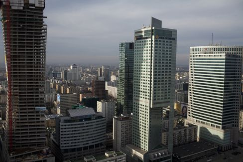 Poland May Cut 2013 GDP Growth Target to 1.5%-2%, Tusk Aide Says
