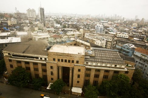 India Curbs Currency Forwards Trading