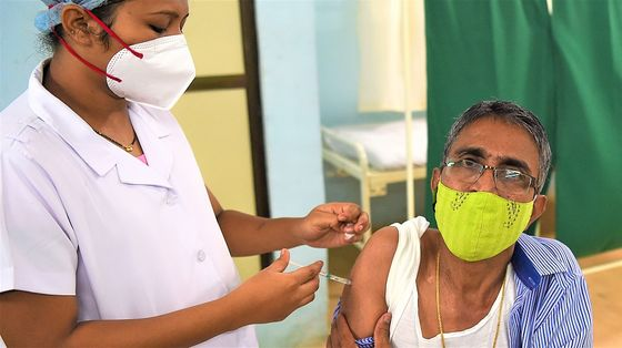 India to Resume Covid Vaccine Exports in 2022, Official Says