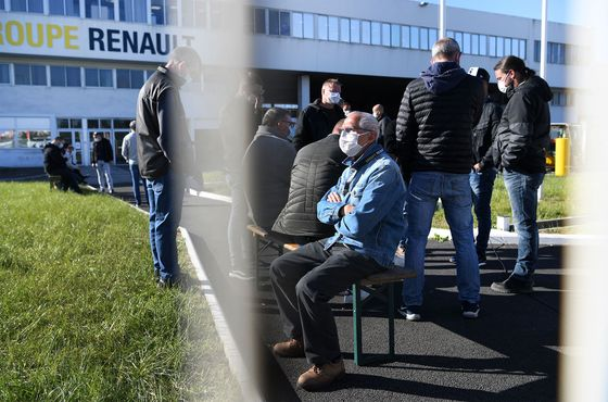 Renault Factory Strike Stokes Political Fear for Auto Jobs