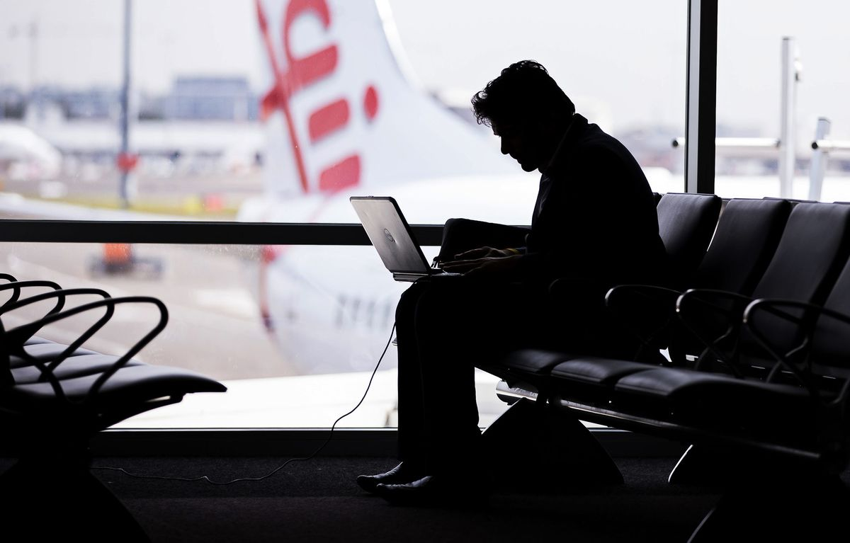 Mideast Airlines Face Laptop Bans on Flights to US, Britain
