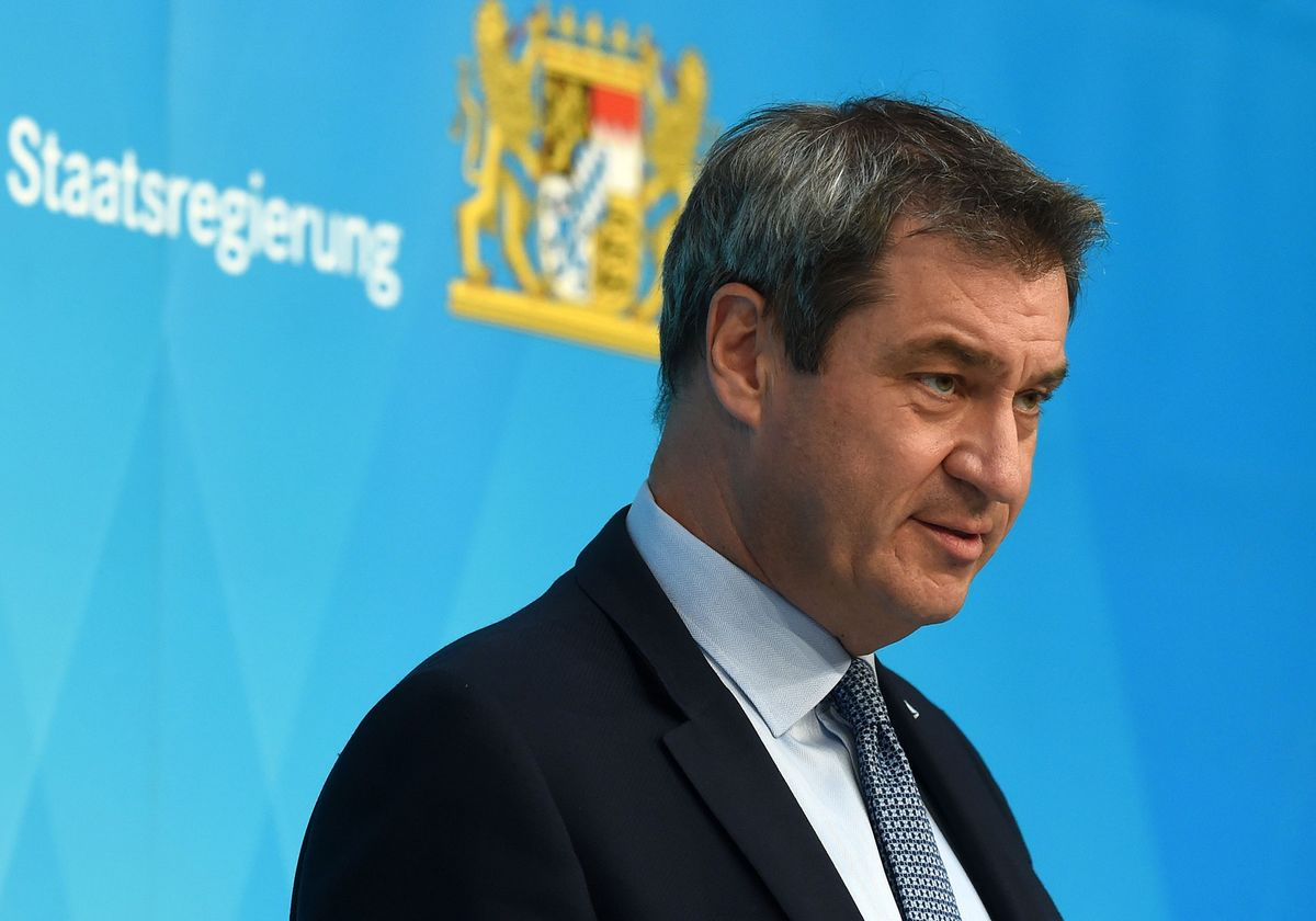 Race to Replace Merkel Heats Up With Bavarian Outsider Surging