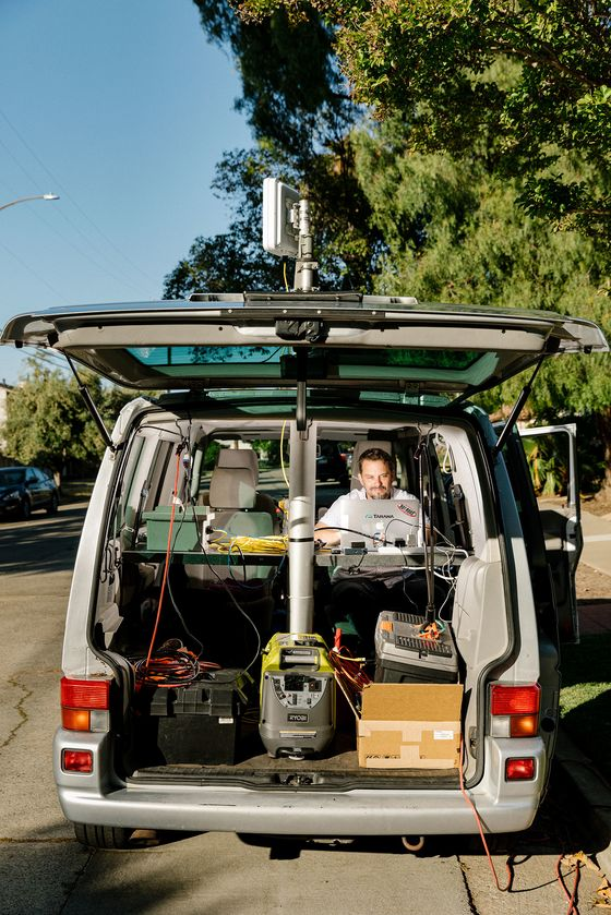A Startup Takes a $292 Million Swing at Building Wireless Broadband