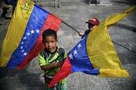 VENEZUELA-US-CRISIS-SIGNATURE-CAMPAIGN