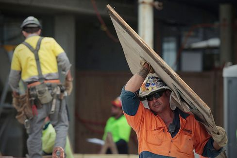 Australian Employers Cut 9,700 Workers in August