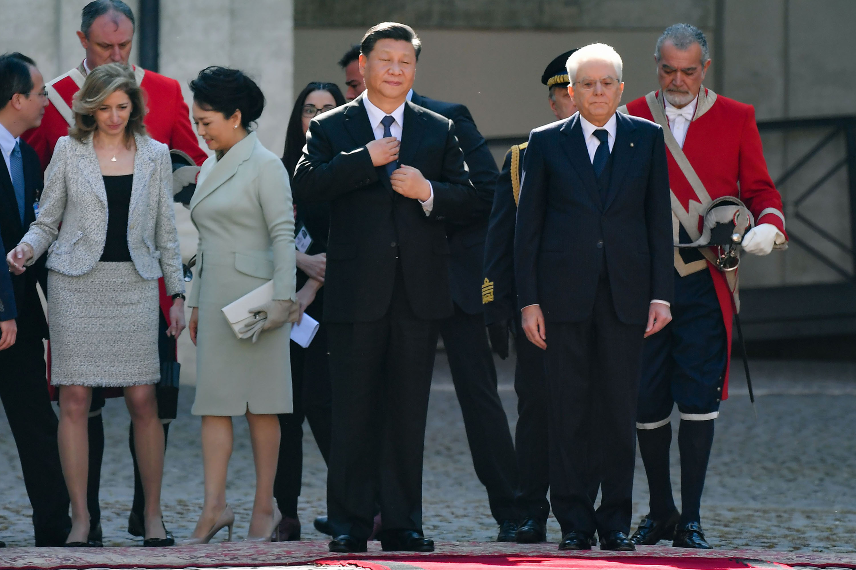 bloomberg.com - John Follain - Italy Welcomes Xi With Honors Fit for Monarchs