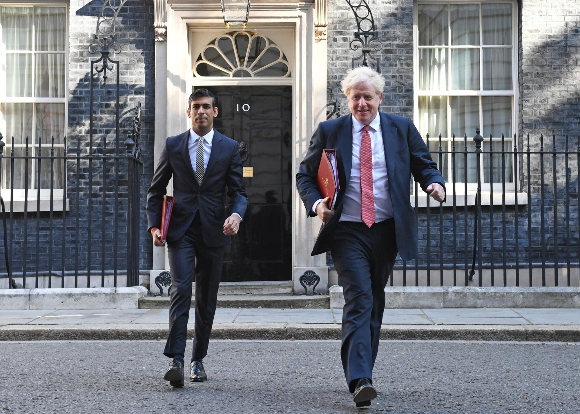 Chancellor Rishi Sunak Backtracks on Raising U.K. Taxes - Bloomberg