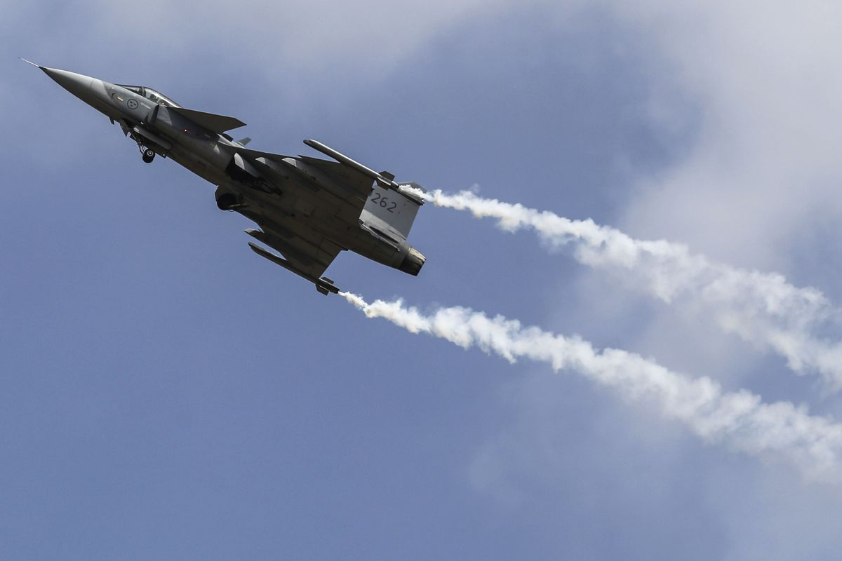 India Seeks 15 Billion Fighter Jets In Worlds Largest Deal