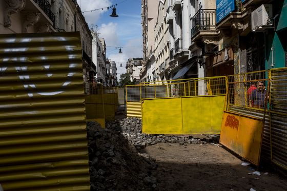 Buenos Aires Tango Star Wins Fight to Bring Back Cobblestone Streets