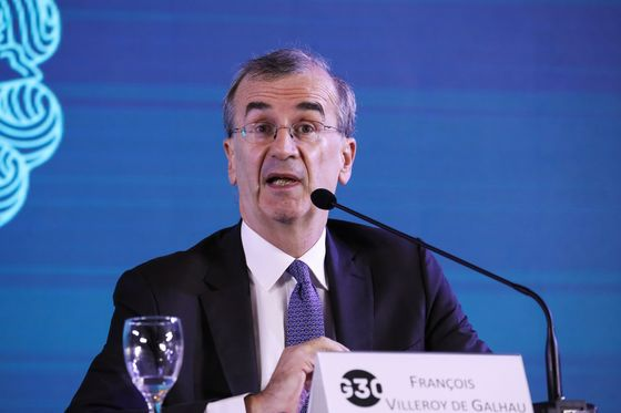 Villeroy Says ECB to Clarify Rate Liftoff's Timing by Summer '19