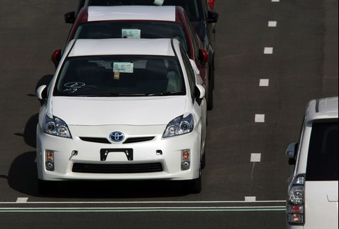Toyota Losing No. 1 Makes Prius  Priority