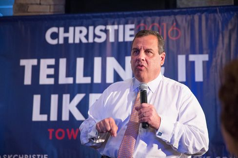 Chris Christie Campaigns Across The Hawkeye State