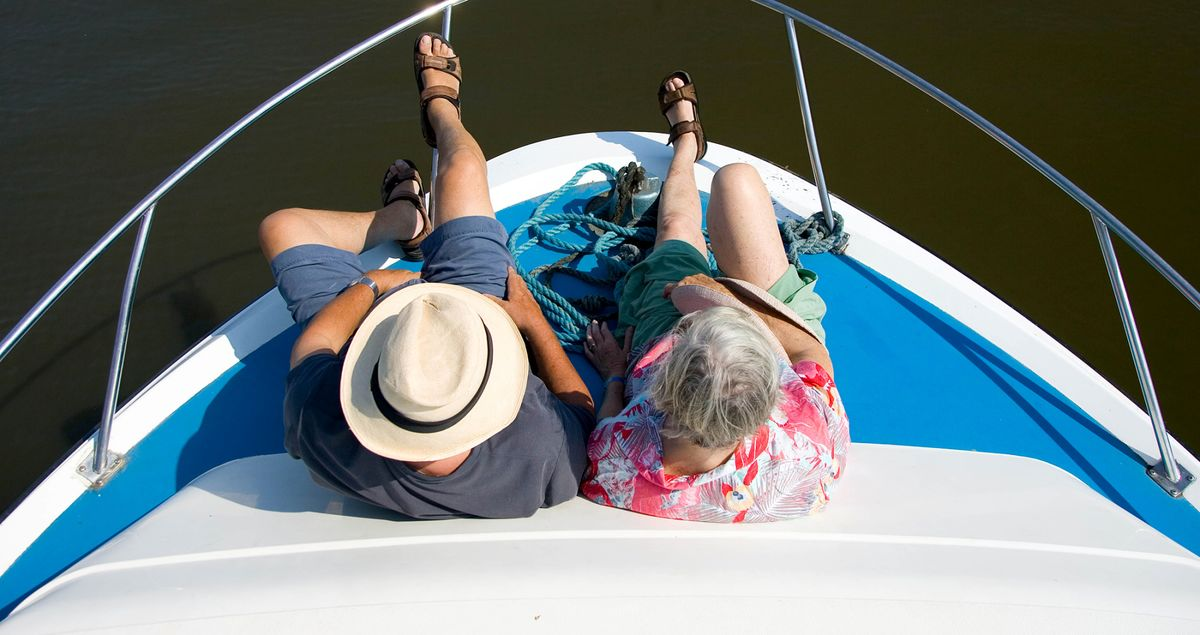 Fewer of Us Save, More Are Confident of Retirement. Are We Crazy?