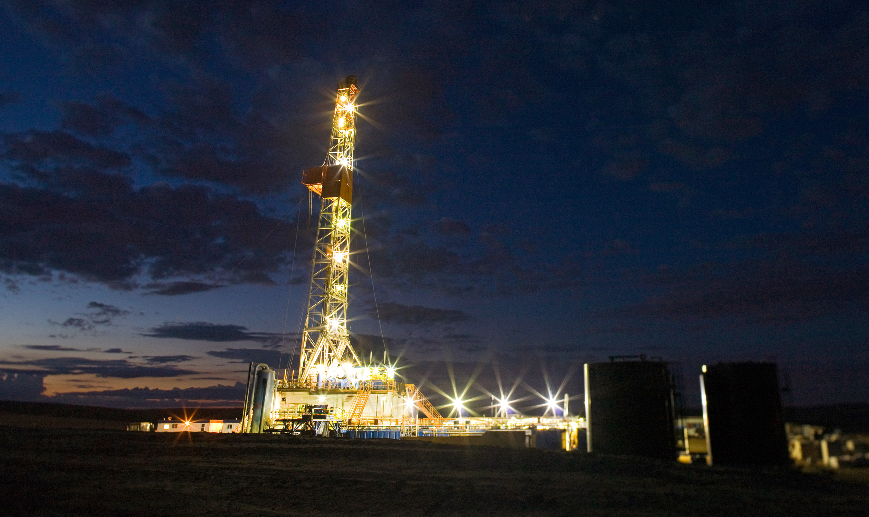 Fracking Is the Bridge to a Fully Renewable Future - Bloomberg