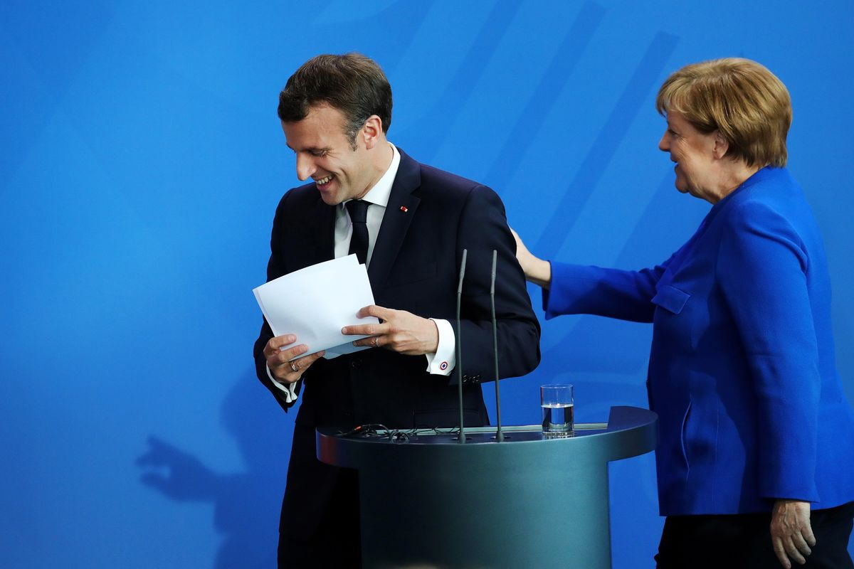 Merkel Says Germany and France Should Deepen Relationship