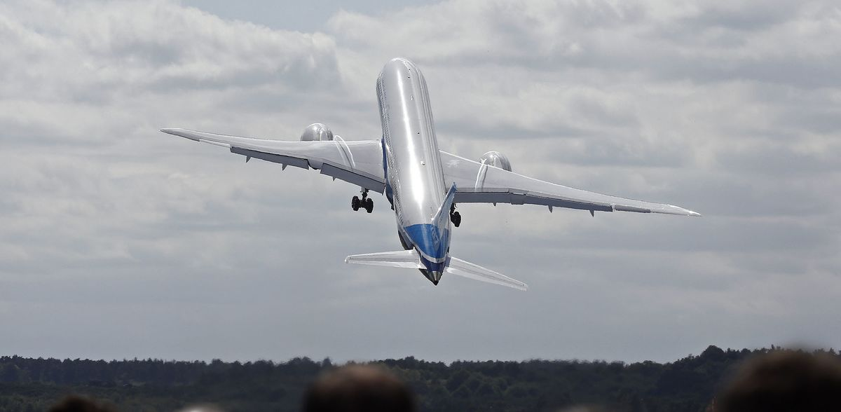 U.S. FAA confirms Boeing to 787 Dreamliner deliveries
