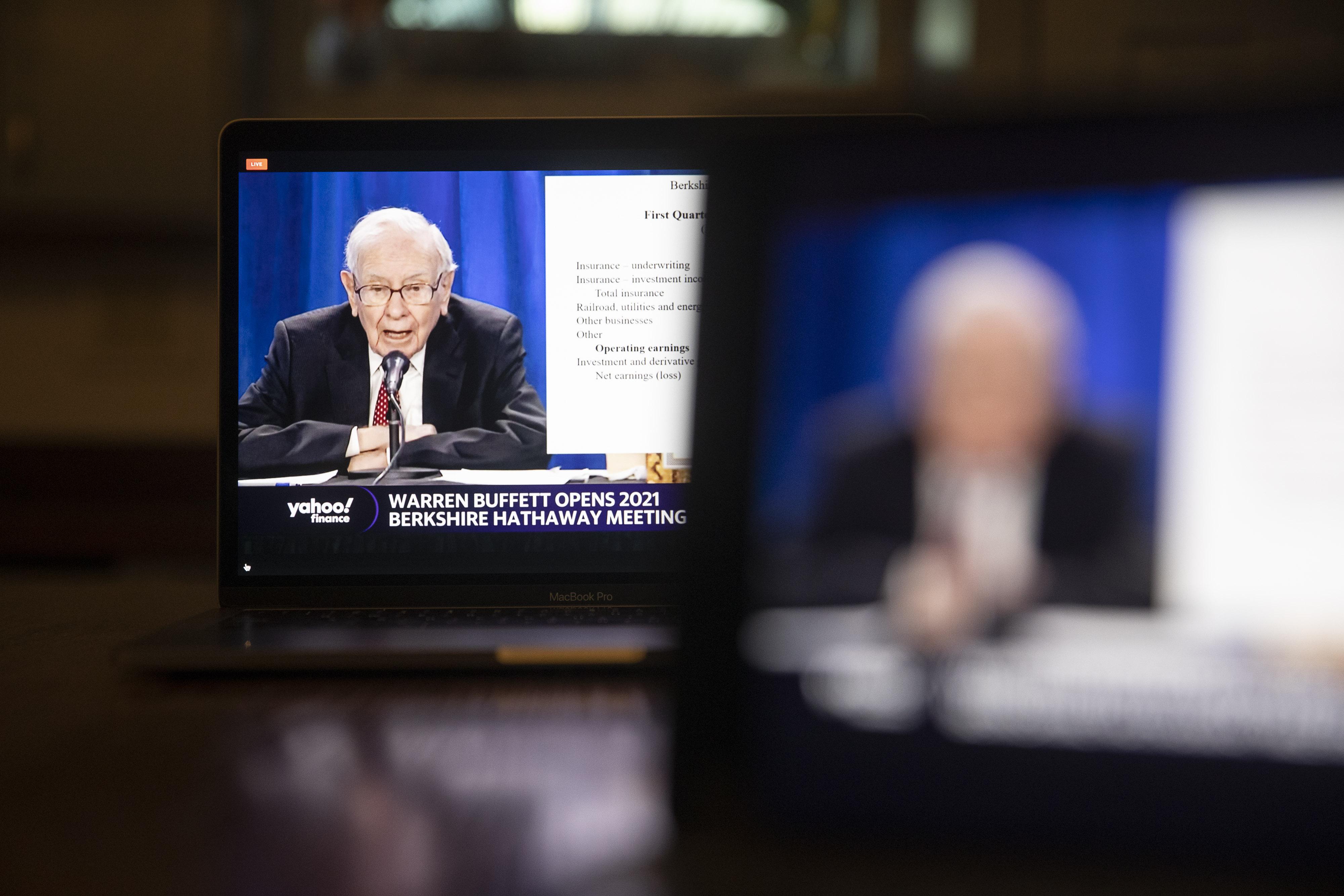 Warren Buffett Admits Mistake And More Berkshire Hathaway Meeting Takeaways  - Bloomberg