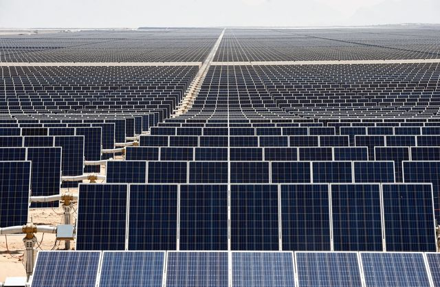 Tesla's the `Biggest' Reason Why Rooftop-Solar Leasing Is Fading