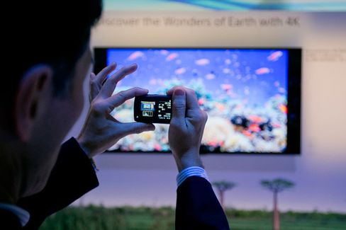 At CES, TVs Steal the Buzz From Mobile