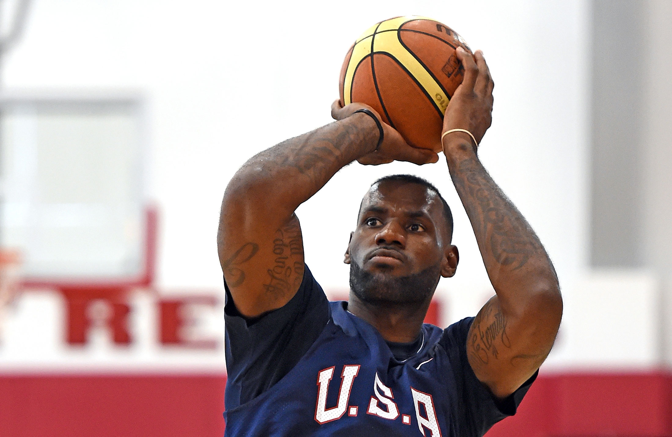 Lebron discovers little known technology company called jpmorgan lebron discovers little known technology company called jpmorgan bloomberg nvjuhfo Gallery