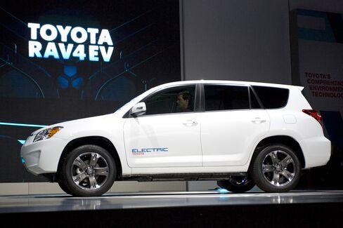 Toyota Adopts Tesla's Laptop Battery Strategy