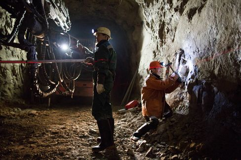 The Daily Lives Of OAO Alrosa Diamond Mine Workers In The Sakha Republic
