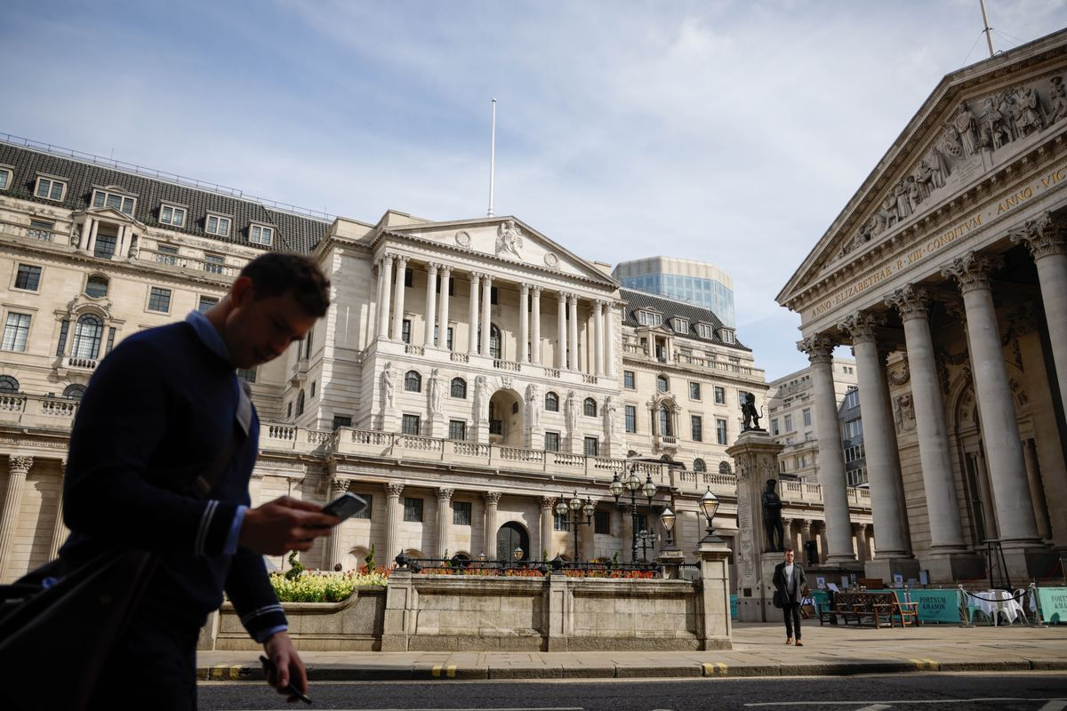 BOE Warns Against Tightening Too Soon as Inflation Surges