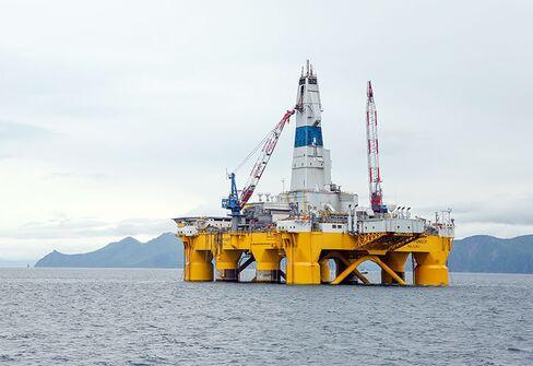 Shell's Polar Pioneer rig in Unalaska, Alaska.
