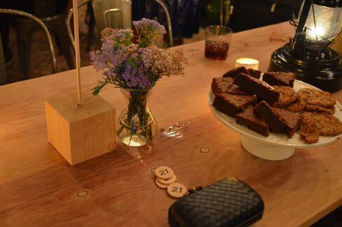 Dessert at table 21