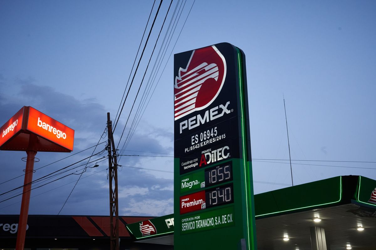Mexico Minister Accuses Fuel Retailers of Pocketing Subsidies thumbnail