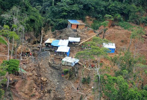 Around 40 artisanal miners continue to dig for tin on Mpoma South, one of two mine sites at Alphamin Resource's Bisie project in Walikale territory, eastern Democratic Republic of Congo.