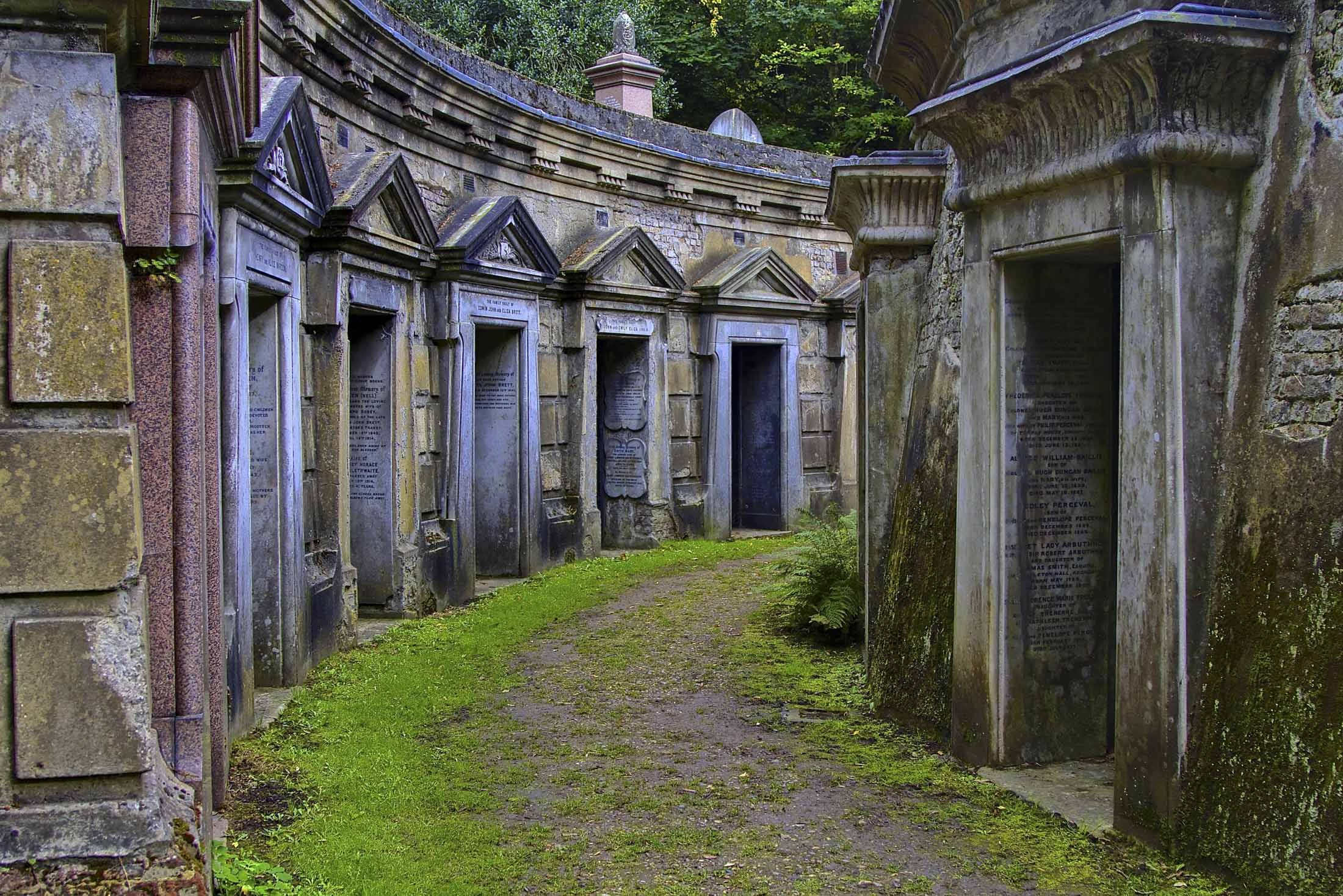 These Are The 12 Most Beautiful Cemeteries In The World