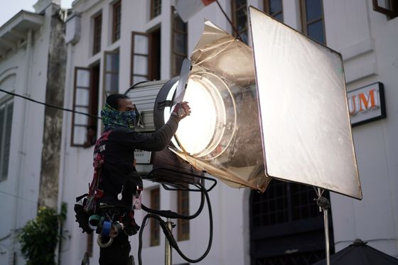 Hollywood Knows It Has a Big Carbon Problem on Set